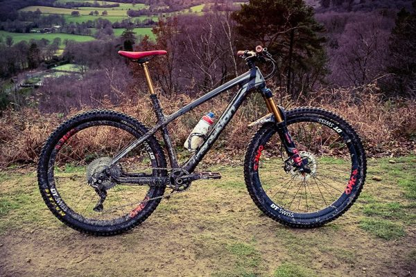 transition-throttle-carbon-hardtail