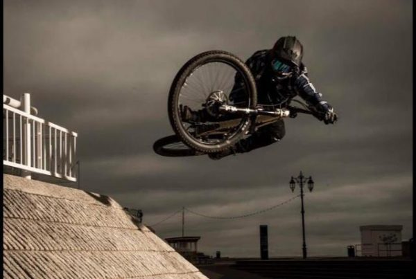 Ben Matthews - Table Top Urban Redbull Redbulletin Double Drop Clothing
